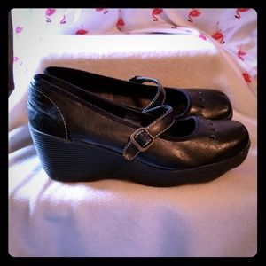 Skechers size 10 Mary Jane wedges in black